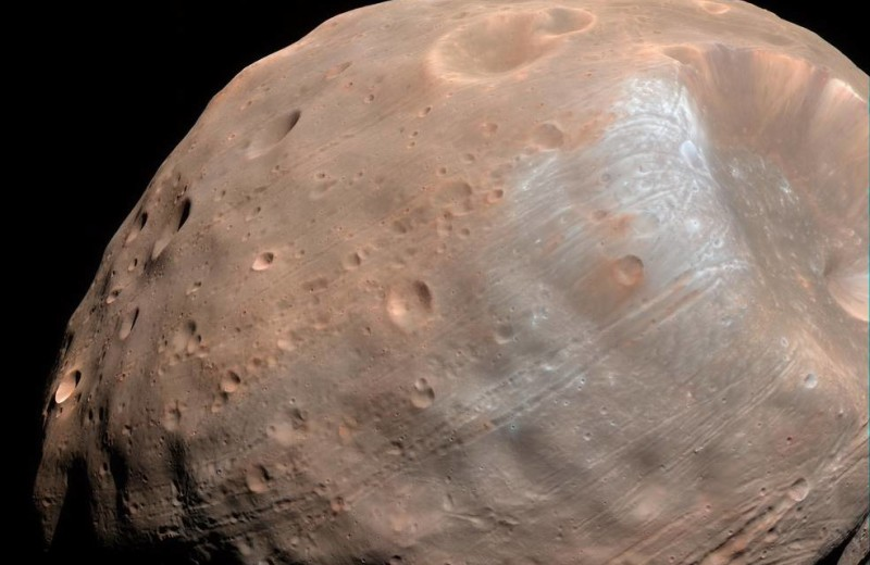 Астрономы объяснили наклон орбиты Деймоса кольцом вокруг древнего Марса