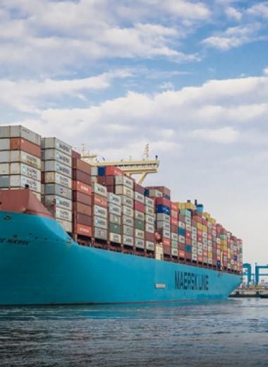 Как устроен контейнеровоз размером с 4 футбольных поля