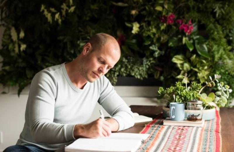 Образ жизни Тима Ферриса: титановый чай, ледяные ванны и разговоры с субличностями