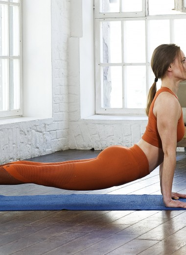 Йога для начинающих: 5-минутный комплекс «Приветствие Солнцу»