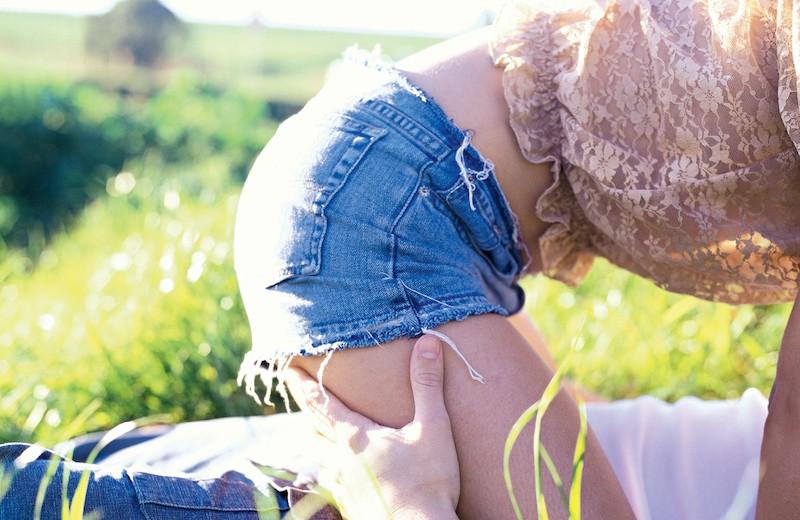 Секс на природе и в публичных местах: как это бывает и что за это будет