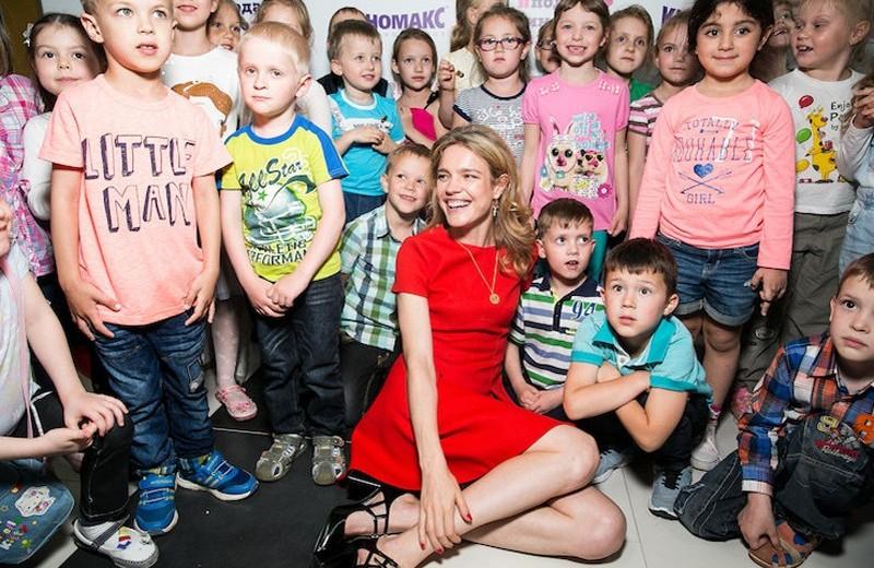 Как Наталья Водянова помогает детям с особенностями развития: реальные истории