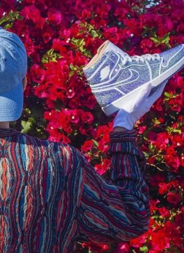Дэниел Джейкоб — художник, который покрывает стразами кроссовки Nike и продает их за большие деньги