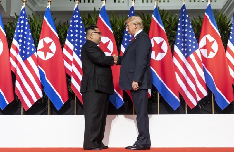 США и КНДР помирились: реакция сети на встречу Трампа и Ким Чен Ына