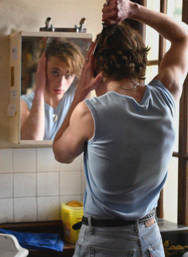 «Лето'85»: подростковая любовь и взрослые трагедии в новом фильме Франсуа Озона