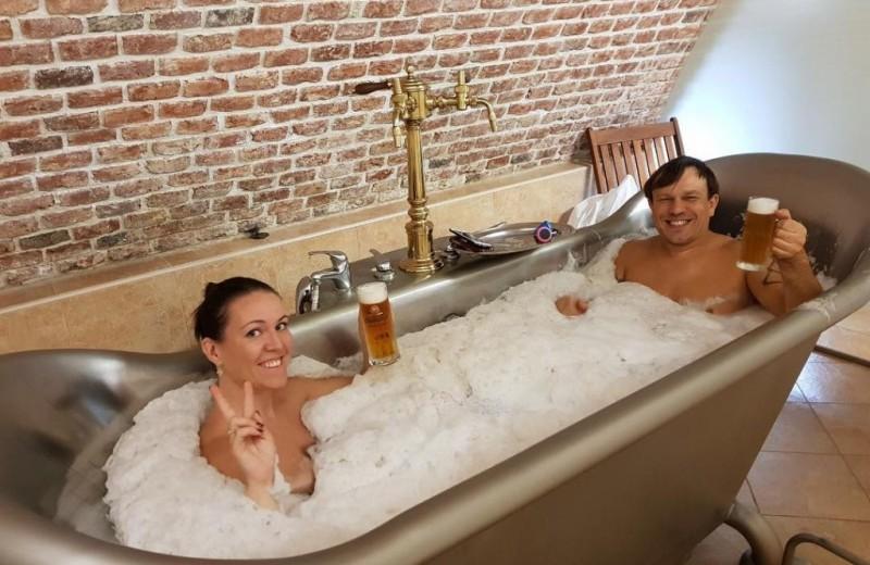 6 самых необычных ресторанов мира (в одном можно принять ванну с пивом)