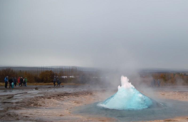 Исландский гейзер в замедленной съемке: завораживающая красота