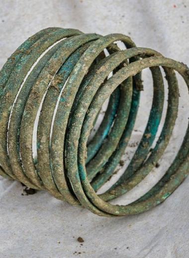 В погребении унетицкой культуры нашли младенца с бронзовым браслетом
