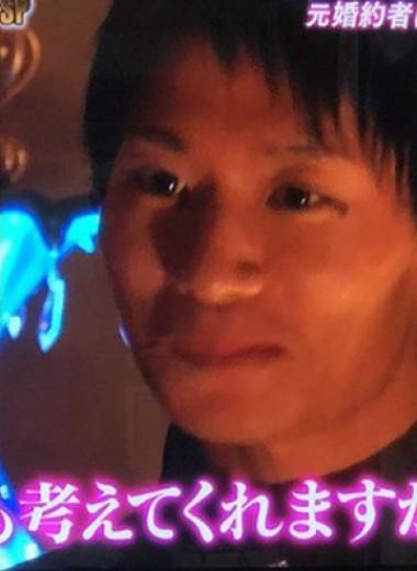 Парню из Японии приходится каждый день заставлять подругу с амнезией влюбляться в него заново