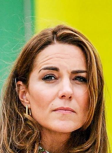 «Голое» дефиле и отказ королеве: на что пошла Кейт Миддлтон ради любви Уильяма