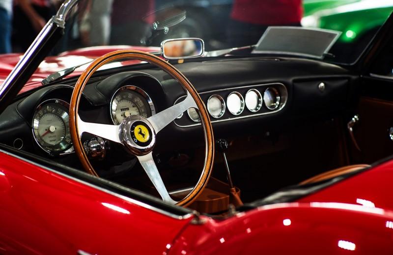 Как за $5 стать совладельцем настоящего Ferrari? Новые финтех-стартапы сделали это возможным