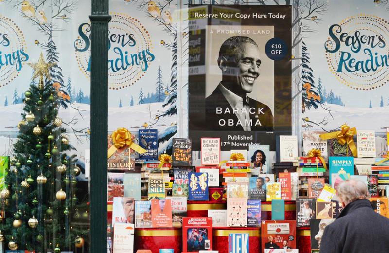 «Если мы не победим, этой стране конец»: главное из новых мемуаров Барака Обамы