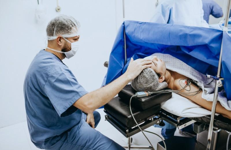Трудности перехода. Монологи российских хирургов, которые проводят операции по смене пола