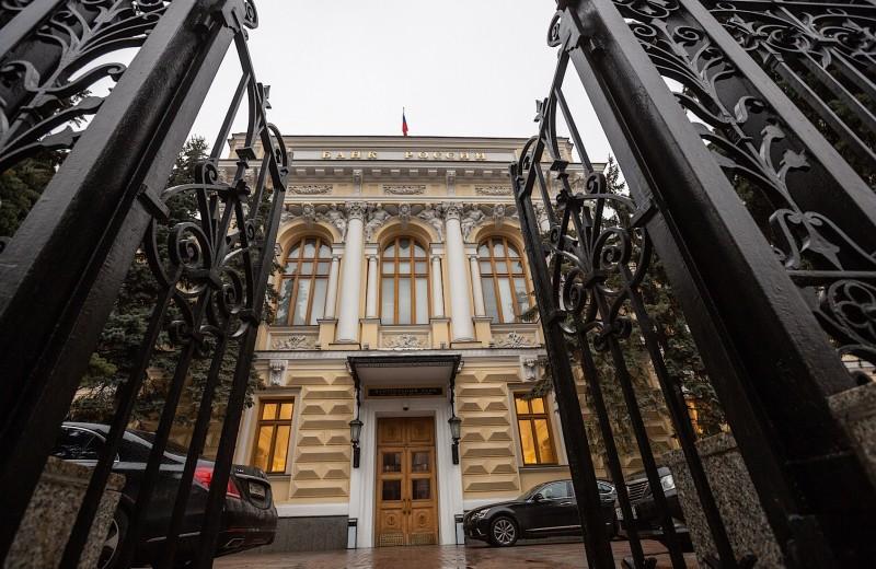 Валютные спекулянты проявили рекордный за год интерес к российским активам