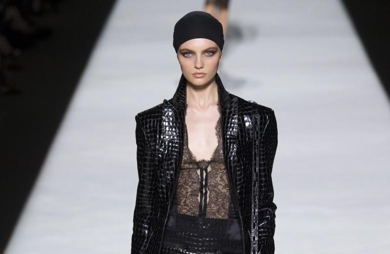 Сексуальность возвращается в моду: 5 трендов 2019 года с показа Tom Ford