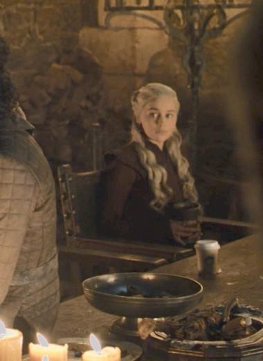 Создатели «Игры престолов» объяснили появление стаканчика Starbucks в четвертой серии