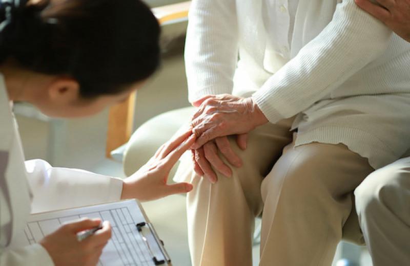 Если болят колени: восстанавливаем здоровье суставов