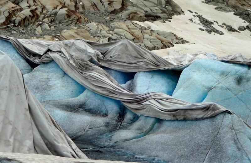 Зачем альпийские склоны укрывают одеялами