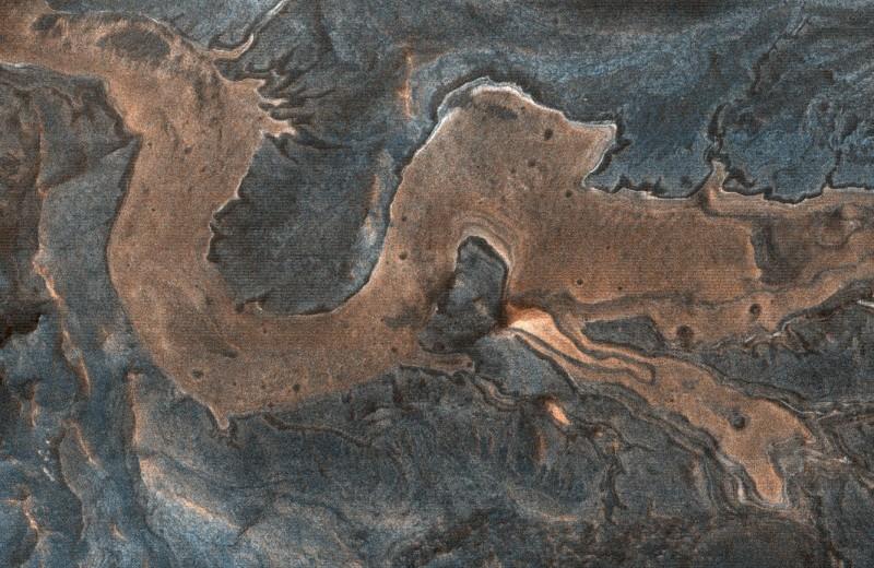 На поверхности Марса разглядели китайского дракона