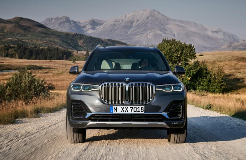 Восемь убойных фактов о BMW X7