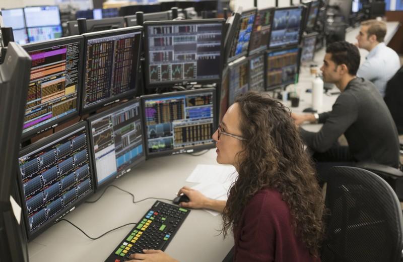 Потерянные деньги: почему женщины меньше инвестируют и как это исправить