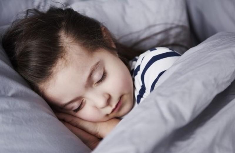 Дневной сон помогает школьникам учиться и чувствовать себя лучше