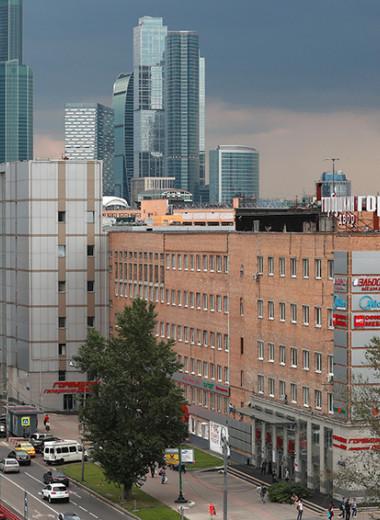 «Горбушка» будет разрушена: история легендарного рынка и его владельцев