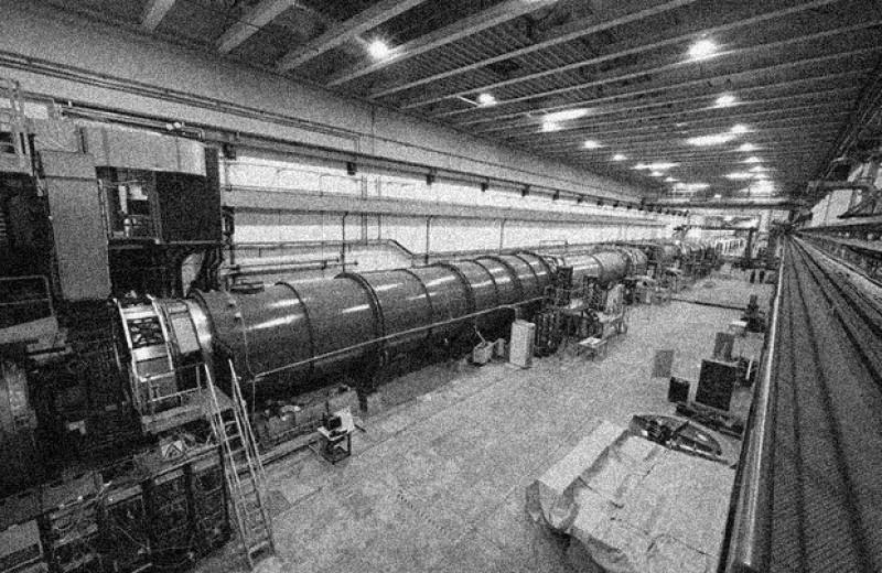 Редкий распад К-мезона ограничил Новую физику