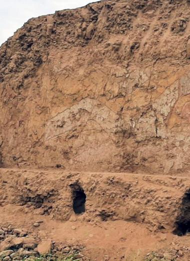 На перуанской фреске обнаружили паука с ножом. Что он там делает?