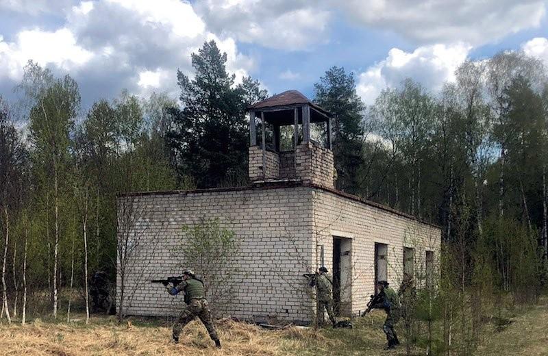 Лазертаг в России: репортаж с крупнейшей в мире битвы в смоленских лесах
