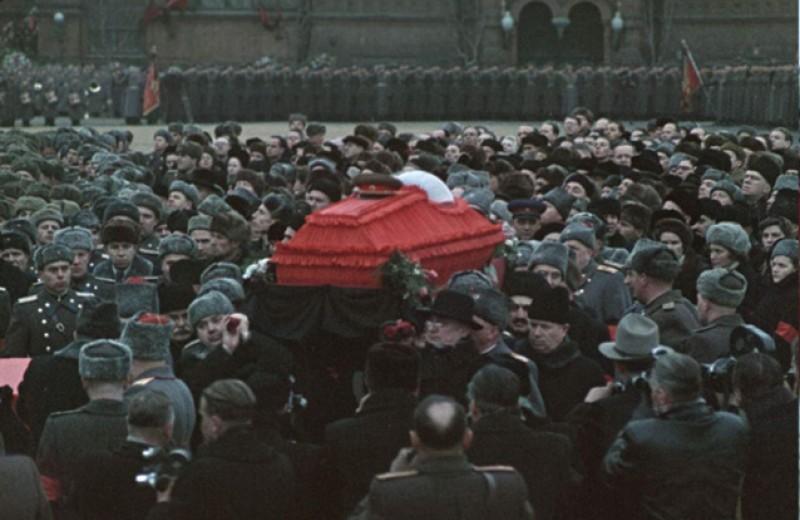 Похороны Зевса. Послесловие к фильму Лозницы