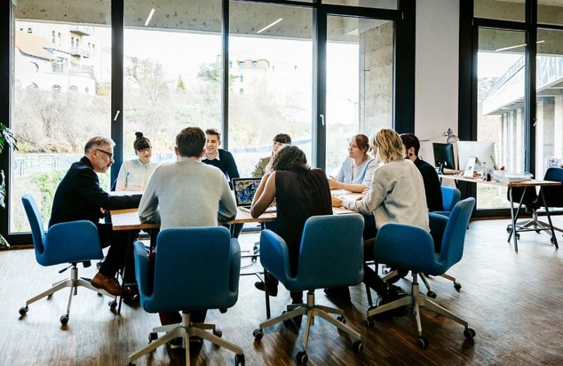 Как прекратить бесконечные чаепития и перерывы в компании? Введите «внутренюю валюту»