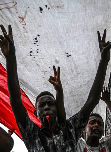 Незамеченная катастрофа: в Судане военные убивают и насилуют людей, но международное сообщество не спешит вмешаться