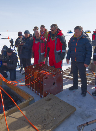 На Байкале запустили глубоководный нейтринный телескоп. Крупнейший в Северном полушарии