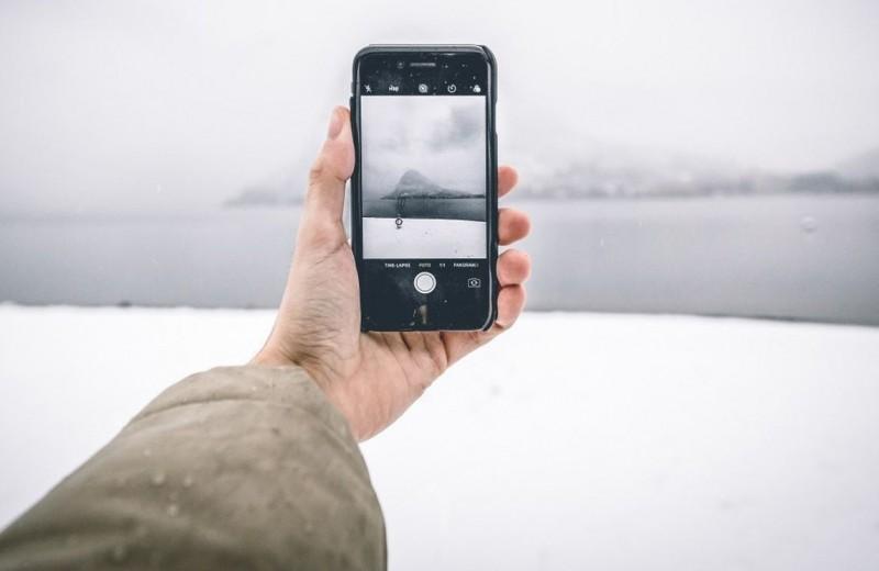 Холод против гаджета: почему смартфоны отключаются зимой