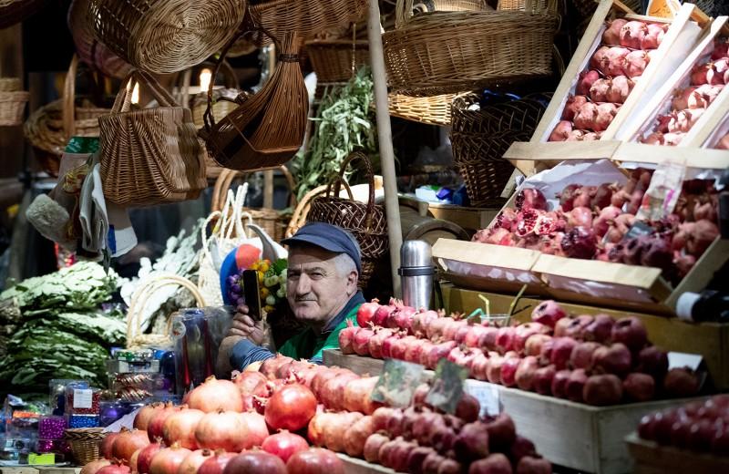 Огурцы по 350 и смузи для хипстеров: во что превратились московские продуктовые рынки