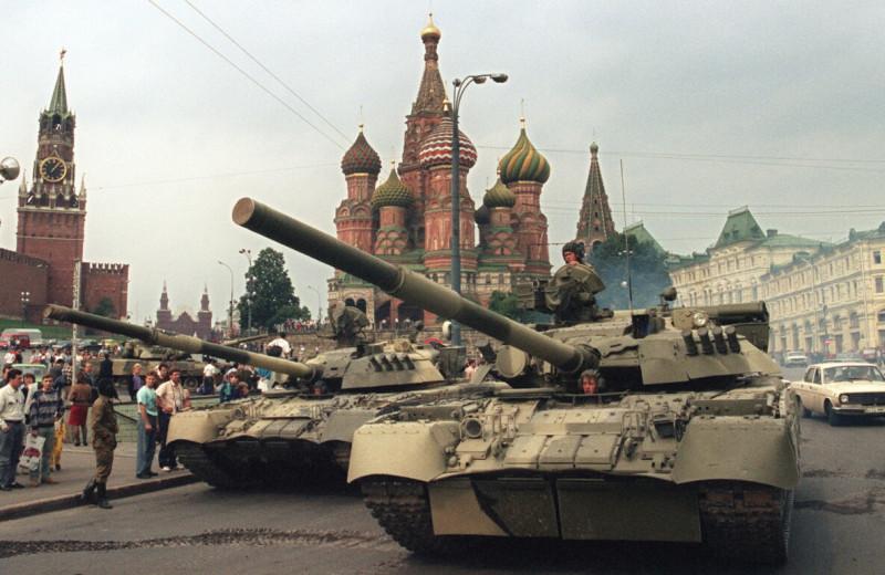 30 лет Августовскому путчу: что смотреть и читать о попытке госпереворота, которая стала закатом для сторонников СССР