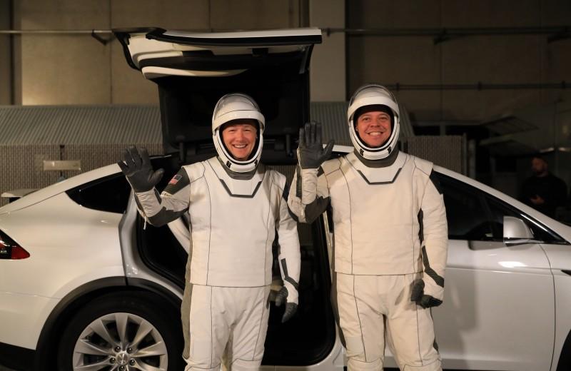 13 шагов миссии SpaceX Crew Dragon в реалистичных картинках