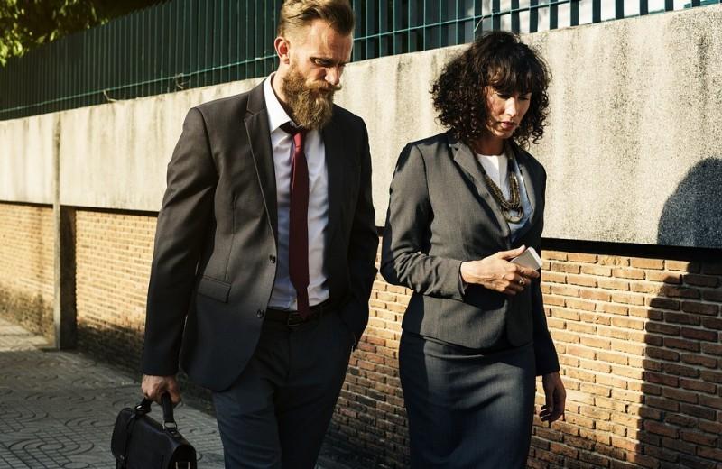 Как найти работу мечты, пользуясь правилами знакомства с девушкой: 7 основных советов