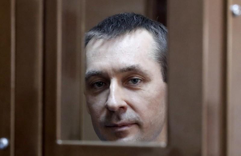 Вопрос о 8,5 млрд рублей остался без ответа. Полковник Захарченко получил 13 лет за скидочную карту и Нота-Банк