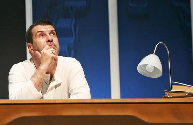 Евгений Гришковец: Если бы мне пришлось сдавать ЕГЭ, я бы не окончил школу