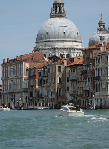 В Венеции запретили торговлю дешевыми сувенирами