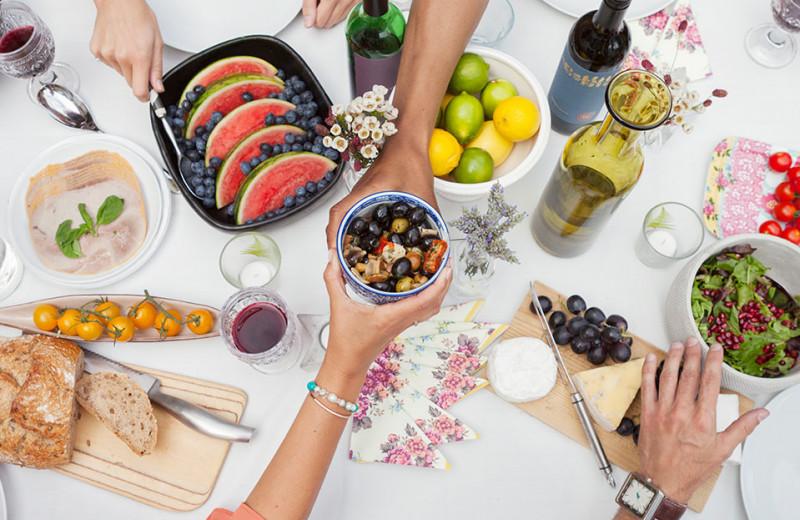 Чтобы ощущать легкость и не поправиться: как правильно питаться в сильную жару