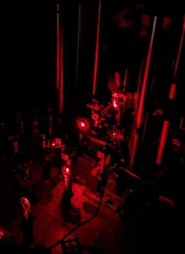 Что делают протоны, когда на них никто не смотрит