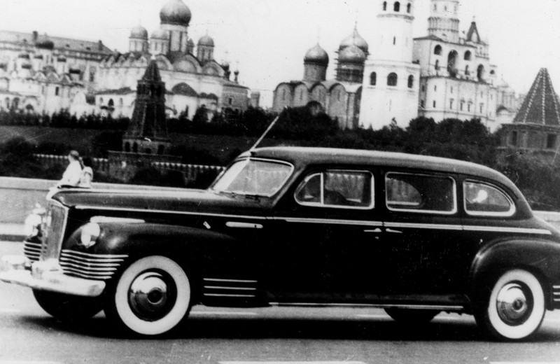 "ЗИС-110 vs Packard 180: как в СССР содрали американский ""членовоз"""
