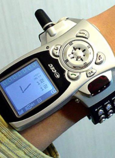 Самые странные телефоны из прошлого, которые на фоне современных смартфонов выглядят внезпано футуристично