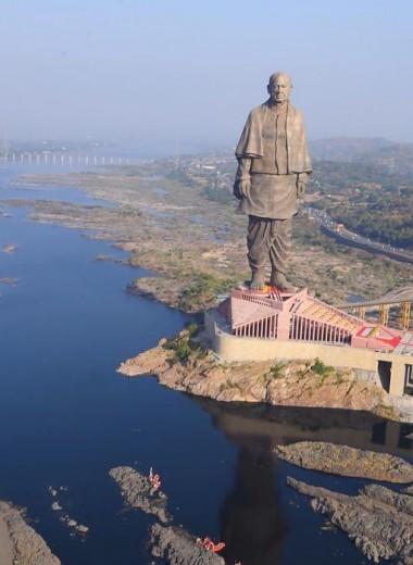В Индии построили самую большую статую на свете