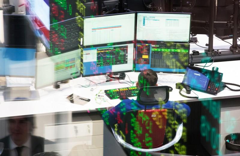 Робот-надзиратель. ЦБ будет регулировать рынок с помощью Big Data
