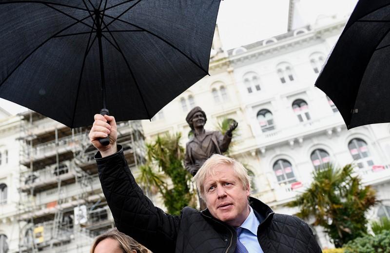 Жесткий Brexit проторил путь для тори