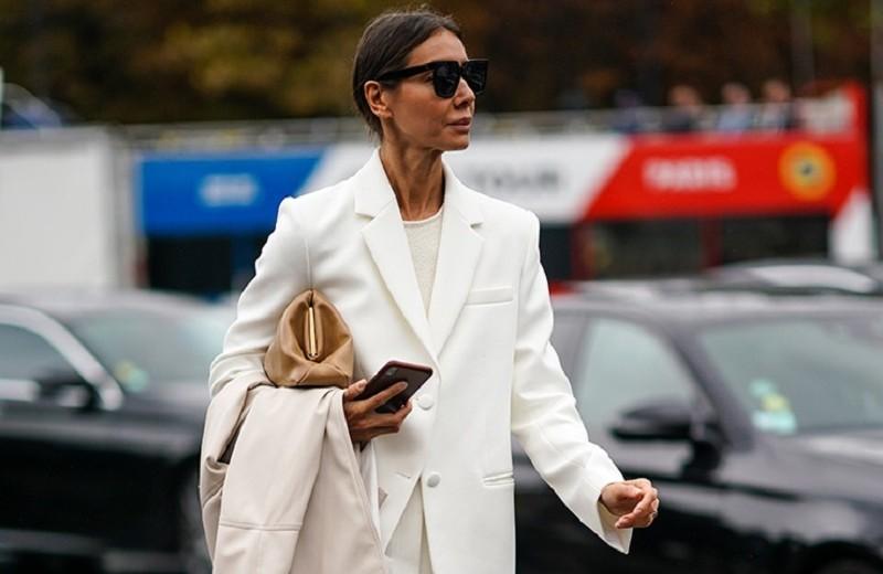 Какие цвета в одежде полнят, а какие делают стройнее: рассказывает стилист